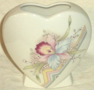 Russ Berrie Heart Shaped Vase Pastel Orchid Made in Japan