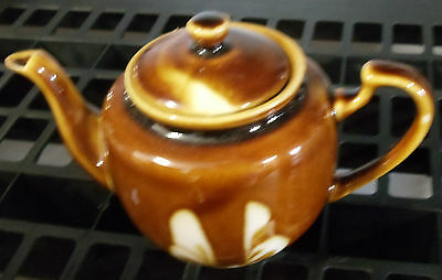 High Gloss Ceramic Vintage Brown with Cream Color Swirl Design Teapot 4.5 x 6.5""