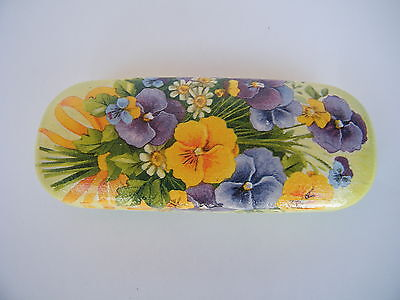Hard eyeglasses case with pansies flowers,glasses holder, metal box,shabby chic