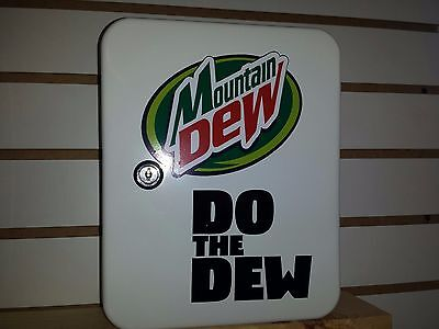 Mountain Dew Retro Style Fountain Service Booth  Counter Keybox