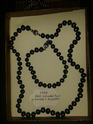 Saltwater Pearls In Rare Black, Necklace and Bracelet Gift Set