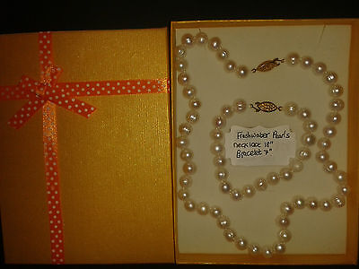 Freshwater Pearls (White) Necklace and Bracelet Gift Set