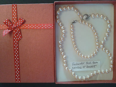 Freshwater Pearl Necklace and Bracelet in pink