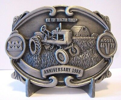 Minneapolis Moline V Tractor Belt Buckle 1988 Annv Toy Tractor Times Ltd Edition