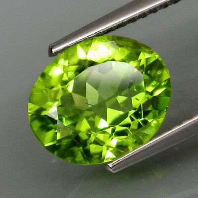 3.53Ct.Ravishing Color! Shimmering Lustrous Natural Green Peridot Pakistan