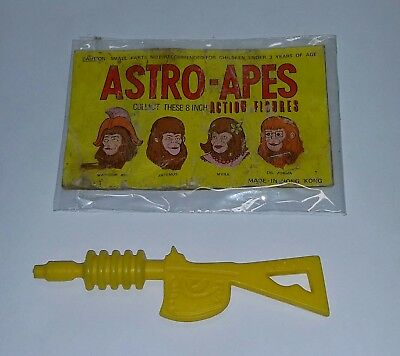 Vintage 1970s Planet of the Apes Astro Apes Header Card + Warrior Figure Gun