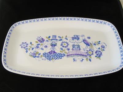Vintage Figgjo of Norway Lotte rectangle dinner plate.