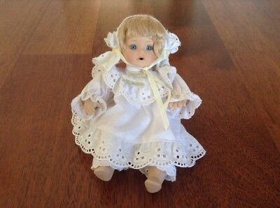Antique Baby Girl Doll With Full White Outfit And Bonnet Markings Back Of Neck