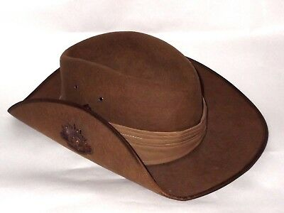 bf4ab8ebf AUSTRALIAN ARMY SLOUCH Hat +General Service Badge WW1- WW2+Free of Rips+AS  IS+