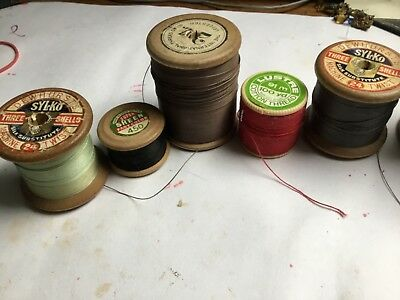 VINTAGE WOODEN COTTON REELS / BOBBINS x 5.VERY LARGE THRU SMALL