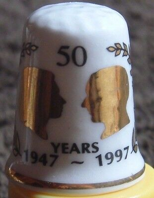 Vintage 1997 50Th Golden Anniversary Of The Queen Bone China Thimble By Gimbel