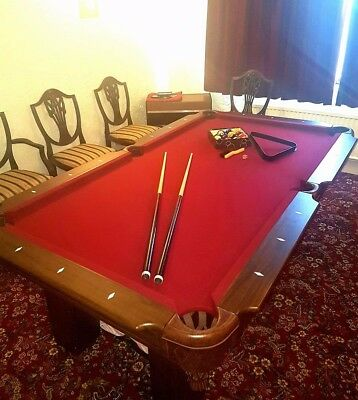 Pool Table (american style)