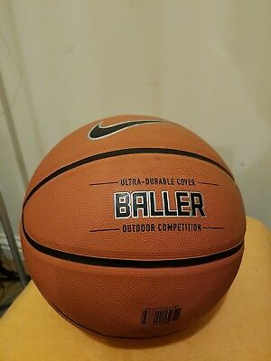 Nike Size 7 (29.5) Ultra-Durable Cover ~ Baller ~ Outdoor Competition Basket