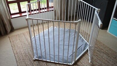 Adjustable Playpen with Cushioned Grey Mat