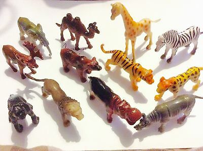 Safari / Zoo Animals Set Of 12 Plastic, Approx 6cm High Or Long NEW .