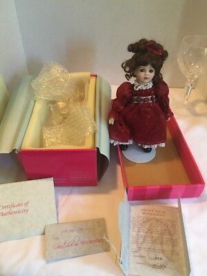 """MINTY Marie Osmond Porcelain DOLL """"YOUNG LOVE ROSE BUD"""" --TOO CUTE!!"""