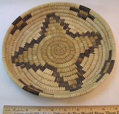 Vintage tightly woven basketry tray Papago 9 inches