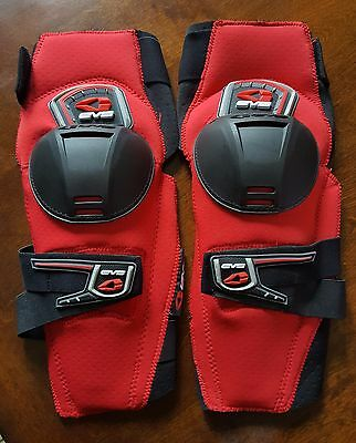 EVS Knee Pads Motocross Size Large Priced To Go!!