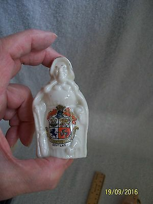 Crested China Douglas Isle of Man. Old Mother Shipton with Cat. Doll. Woman .