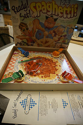 Ready set Spaghetti whirl and twirl pasta action game C-4012 vtg 1990 complete