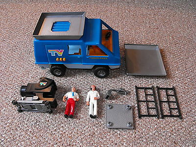 1977 Fisher Price Adventure People TV Action Team Playset (Missing Pieces) 309