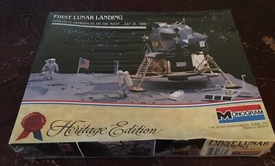 Monogram 1/48 Scale FIRST LUNAR LANDING APOLLO 11 Astronauts On The Moon- Sealed