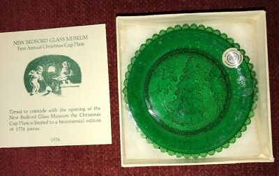 1976 Pairpoint New Bedford Glass Museum 1st Annual Christmas Cup Plate. Green.