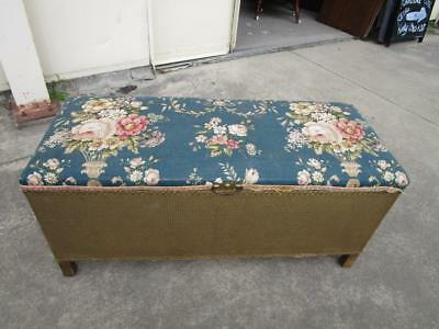 D39030 Vintage Lloyd Loom Trunk Chest Chic Floral Wicker