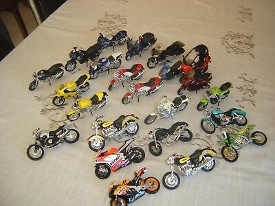 Lot De 23 Miniatures Modèles De Motos Collection Moto Maquette