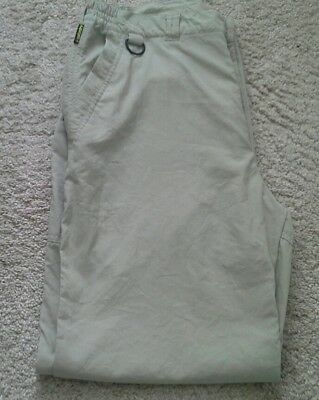 Mens Craghoppers solardry walking trousers size 32ins.