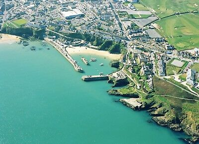Travelodge Newquay Seafront October Half Term Sat 21st & Sun 22nd Family Room