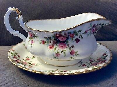 Stunning Royal Albert Cottage Garden Gravy Boat And Liner 1# Quality England