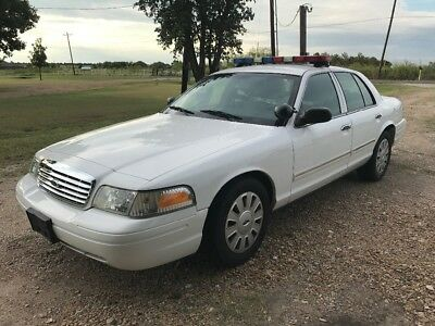 2011 Ford Crown Victoria Body side moldings 2011 Ford Crown Vic Police car