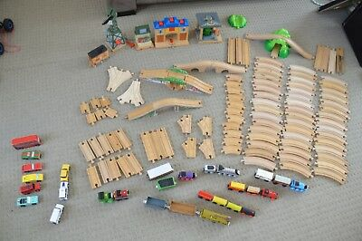Big set: Wooden Railway and Trains + Table - Thomas & Friends - lowered price