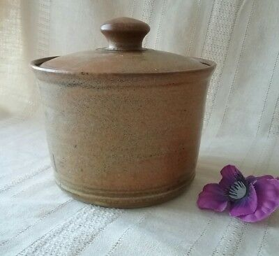 Pottery casserole dish with lid Redbyrne Potteries Shepparton stamped 3 cups