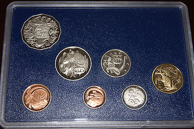 1985 PROOF Set. Coins are brilliant - no box. UNC High quality.