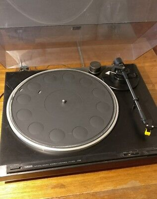 Yamaha Tt-400 Stereo Record Player Turntable