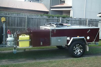 Swag Voyager 1 Camper Trailer hard floor rear Folding with winch