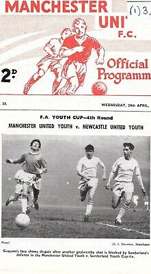 Manchester United FA Youth Cup 1963 v Newcastle Youth - George Best In Line Up