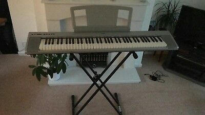 electric piano yamaha piaggero np 31 picclick uk. Black Bedroom Furniture Sets. Home Design Ideas