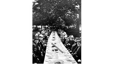PHOTOGRAPHIC GLASS SLIDE A KENT HORTICULTURAL SOCIETY VISIT TO KEW EARLY 1920's