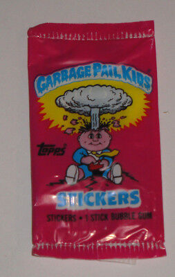 1985 Garbage Pail Kids Series 1 UK - Unopened pack with Nasty Nick on the back!