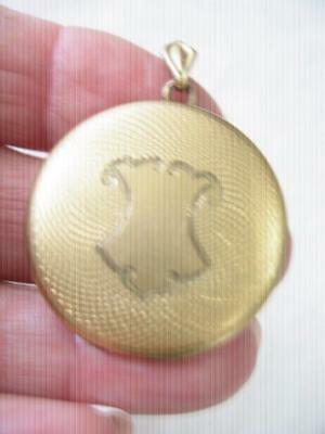 c1870's ANTIQUE H.A.&CO. HORTON,ANGELL & CO. GOLD FILLED GUILLOCHE DESIGN LOCKET