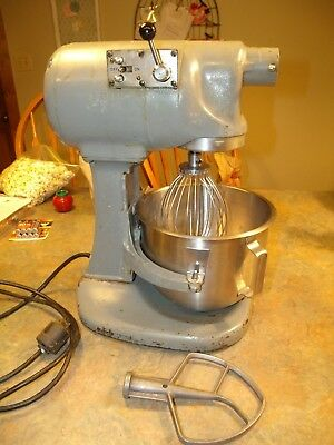 Professional Commercial Grade Hobart Baking & Dough Counter Mixer +Bowl & Tools