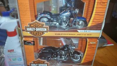 1:18 SCALE 2005 RC2 HARLEY DAVIDSON BIKES MINT CONDITION x2