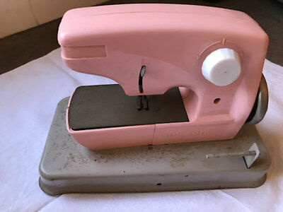 Vintage Pink Little Betty Child Toy Sewing Machine.