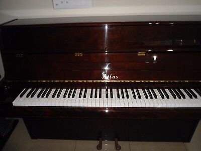 piano upright Atlas