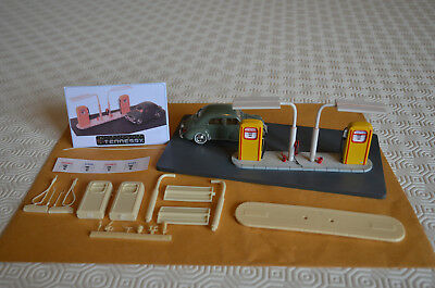 """DIORAMA - KIT  POMPES A ESSENCE  """"ANNEES 50 """" -1/43éme BY TENNESSY"""