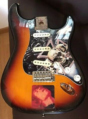Fender  Stratocaster Body N3 Noiseless Pickups Tremolo