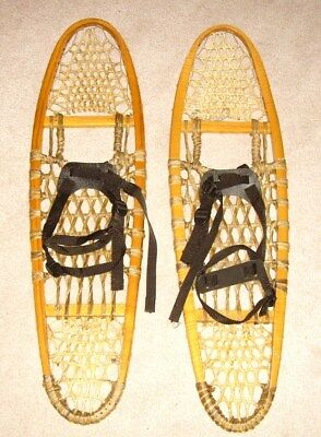 "Nice Snowshoes - Look Unused !  ""Made in Canada"""